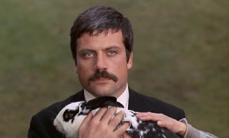 Oliver Reed 2 W730